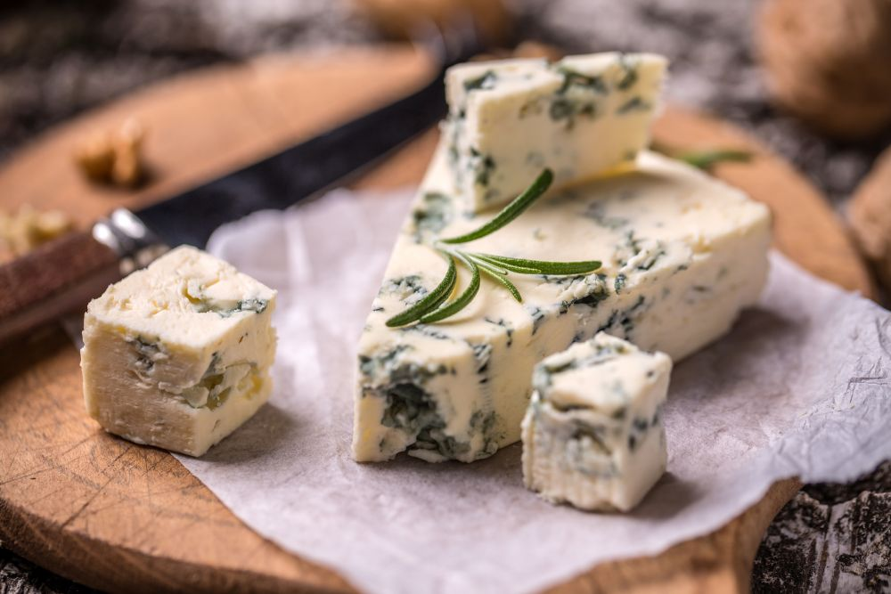 How to freeze blue cheese