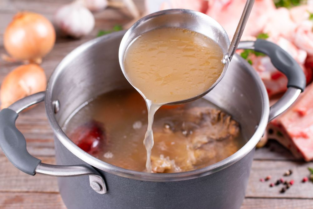 How to freeze chicken broth