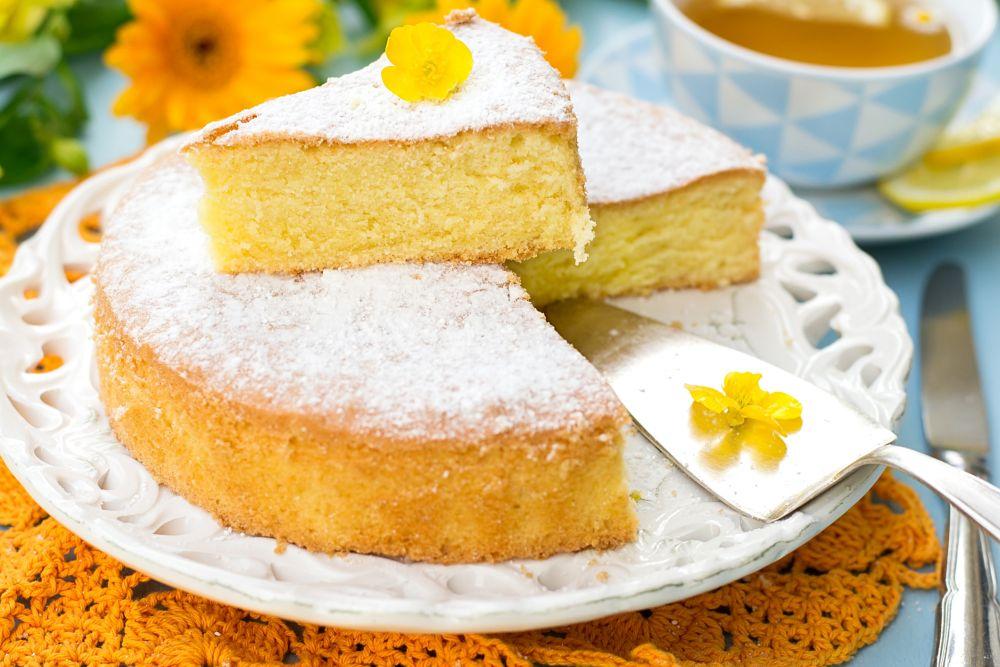 How can you freeze sponge cake