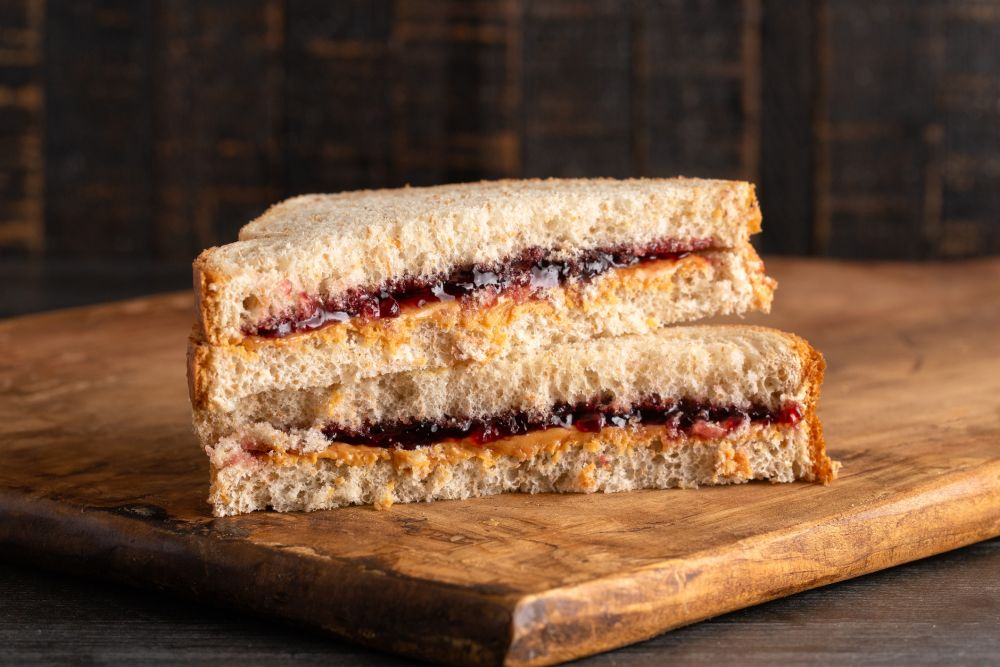 How to thaw peanut butter and jelly sandwiches