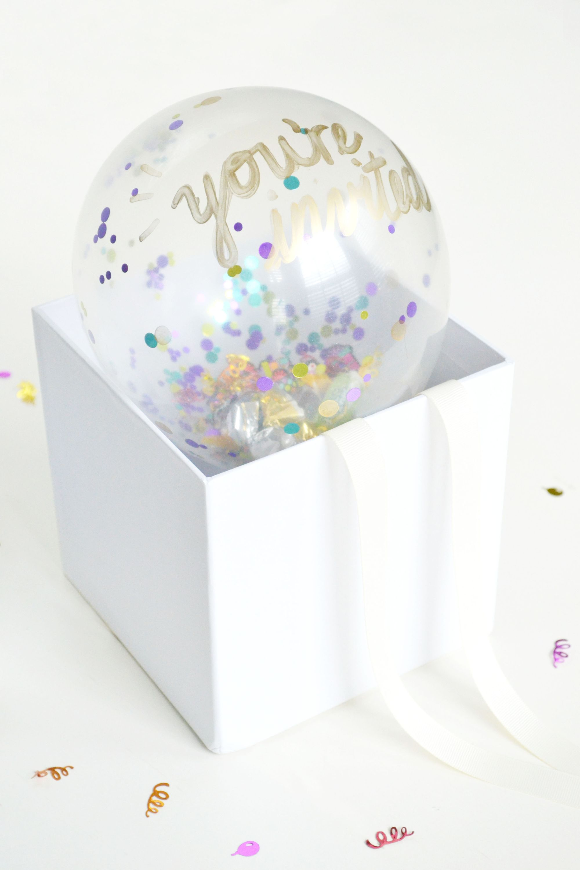 Confetti Balloon Invites Box