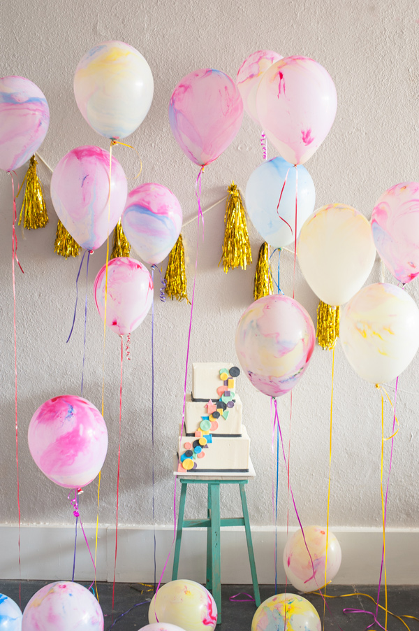 diy-Marbled-Balloons