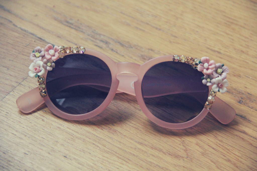 mixed-flowers-sunglasses-diy