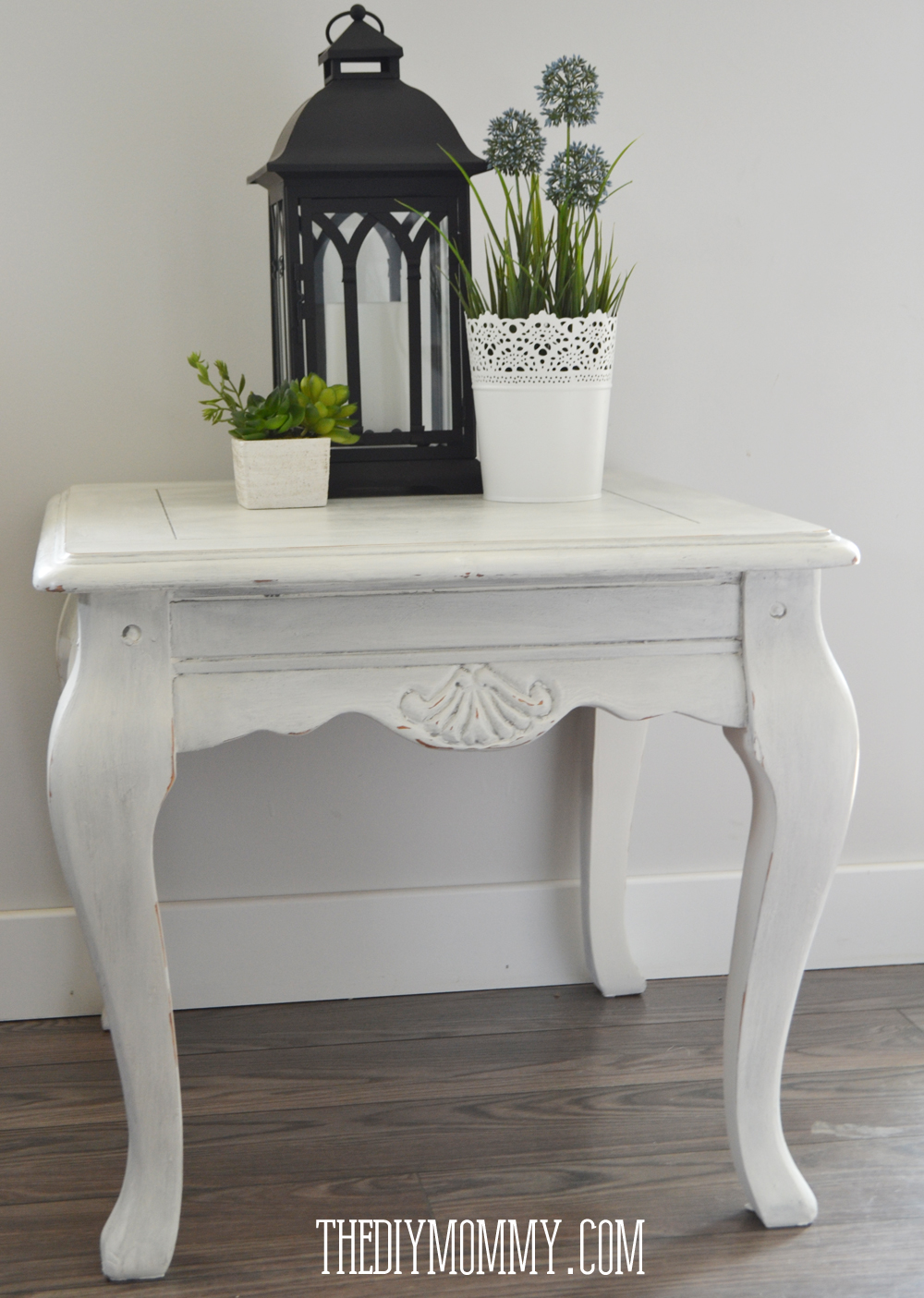 DIY Chalk Painted SIde Table