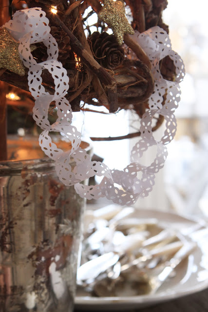 DIY Lace Paper Chain Link