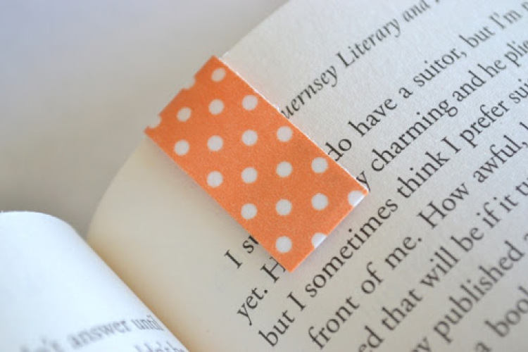 DIY Magnetic Washi Tape Bookmarks