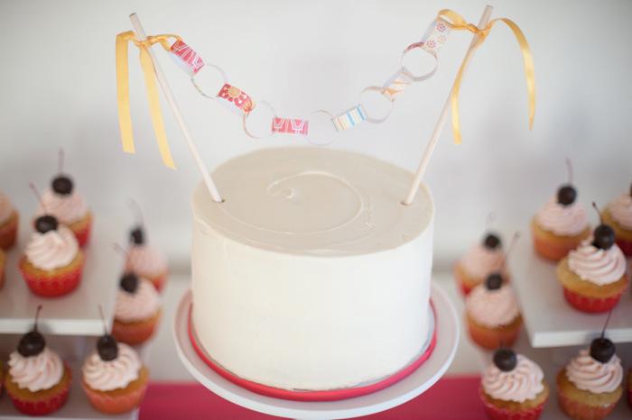 DIY Mini Paper Chain Link Cake Topper