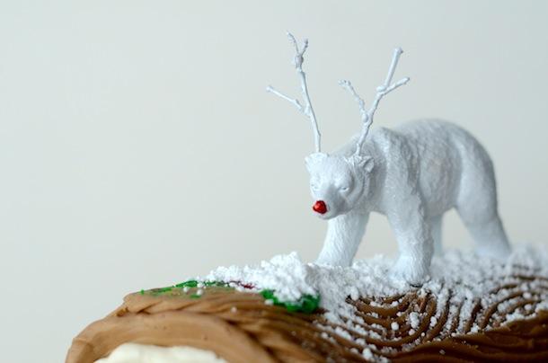 DIY Plastic Animal Cake Topper