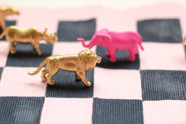 DIY Plastic Animal Checkerboard