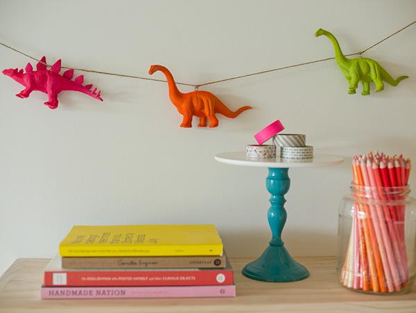 DIY Plastic Animal Garland