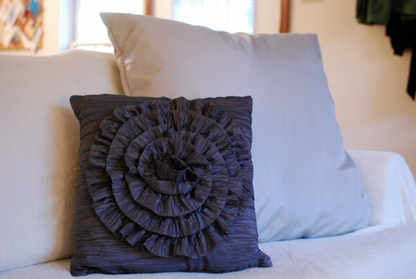 DIY Ruffle Designer Pillow