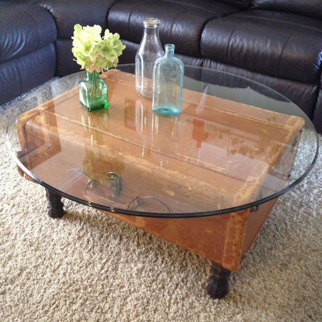 DIY Vintage Suitcase Coffee table