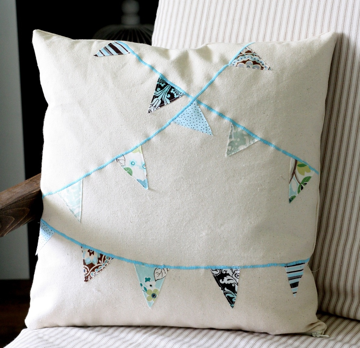 DIY bunting Pillow