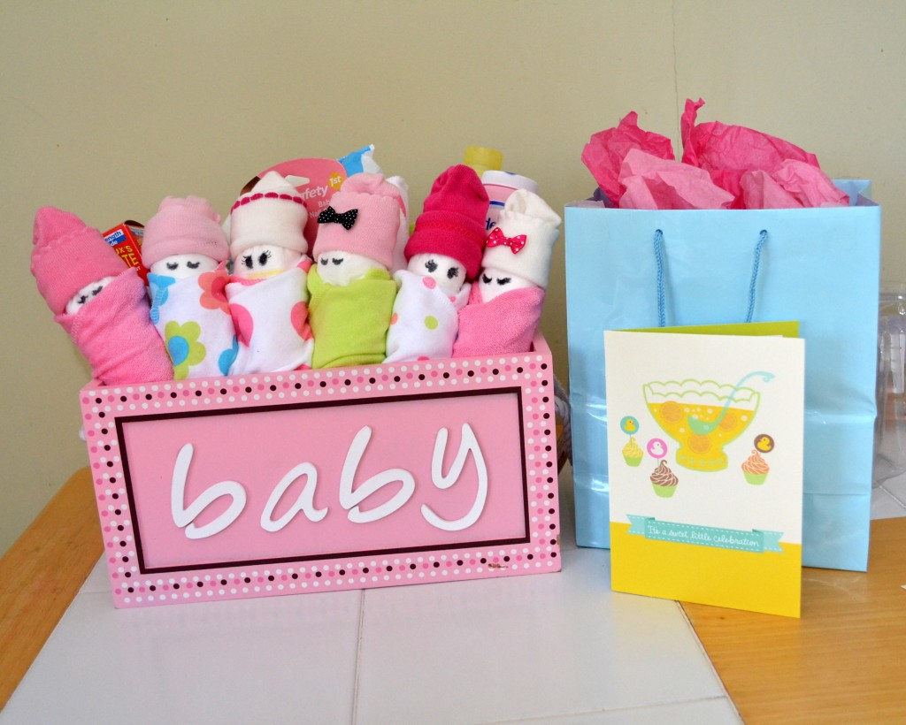 diy baby shower gifts for the little girl on the way, Baby shower invitation