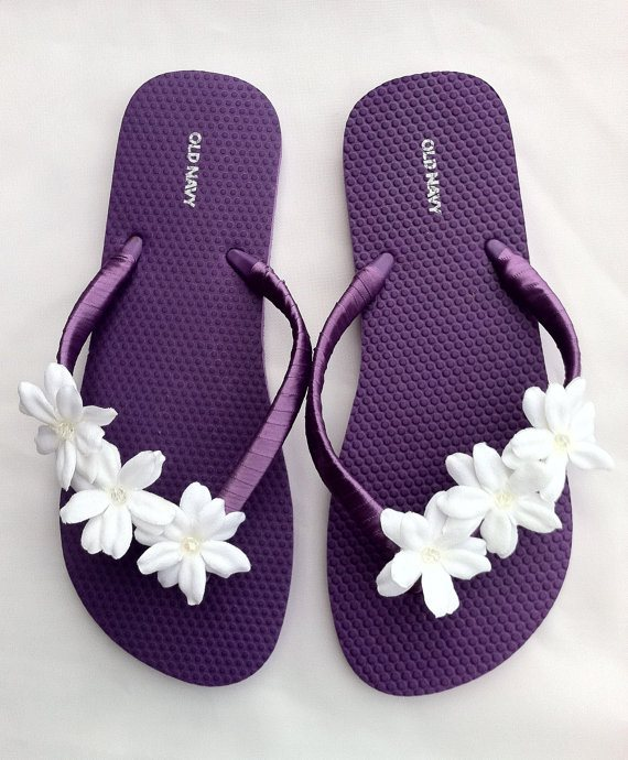 25 different ways to fancy your flip flops white flowers mightylinksfo