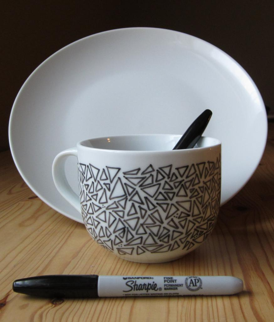 25 artistic baked sharpie dish diy designs geo mug diy design solutioingenieria Image collections