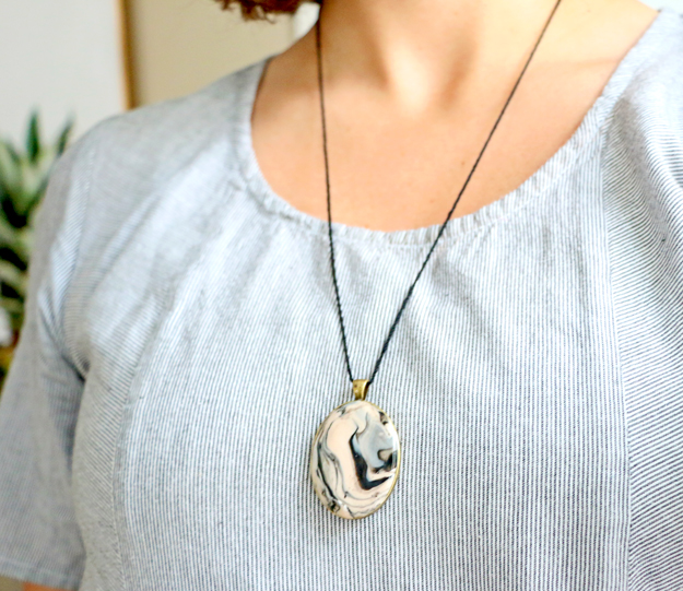 Marbled Clay Pendant Necklace Finished