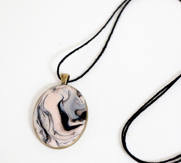 Marbled Clay Pendant Necklace Run