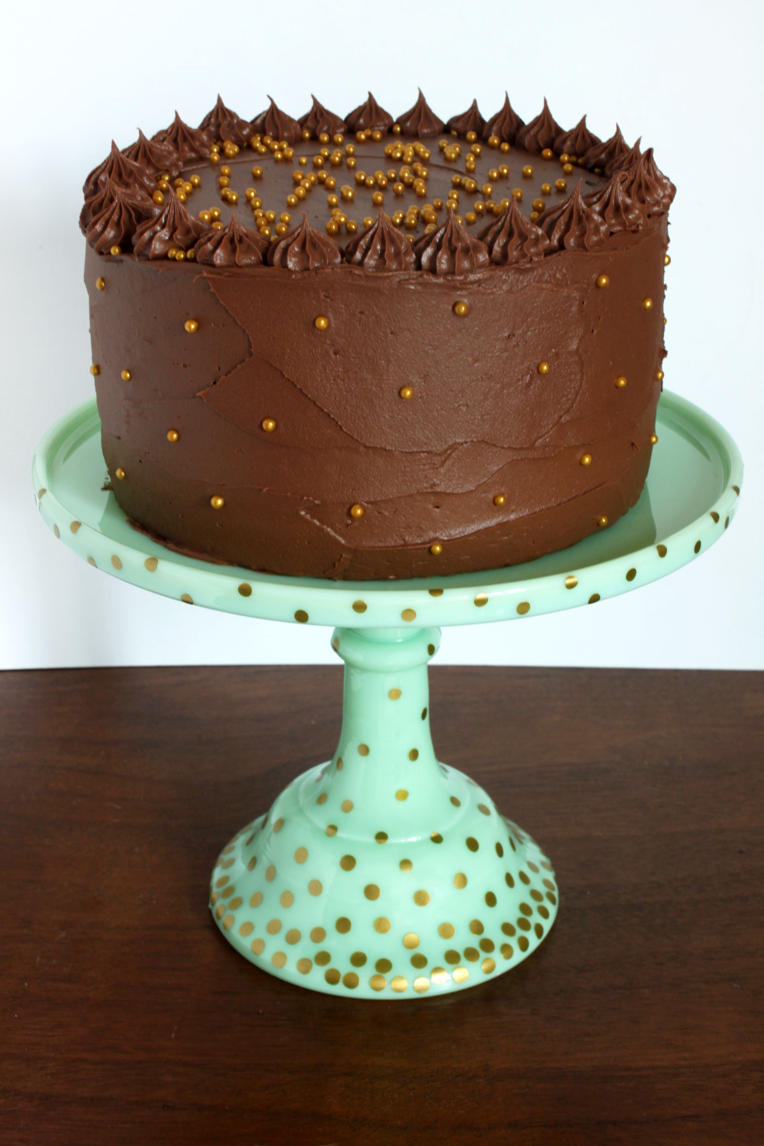 Polka-Dotted Cake Stand & 50 Gorgeous Do-It-Yourself Cake Stands