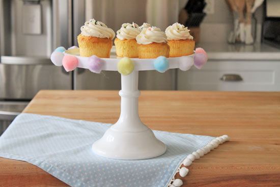 Pom Poms Cake Stand & 50 Gorgeous Do-It-Yourself Cake Stands