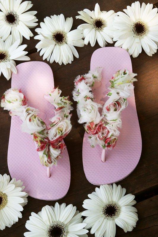dbee08be4cfdcd 25 Different Ways to Fancy Your Flip Flops