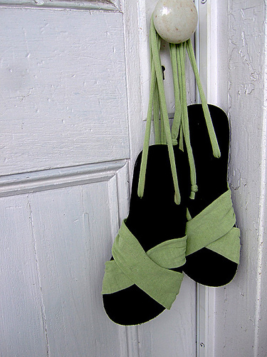 criss cross sandals