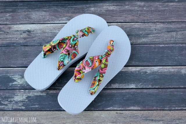 8f1f8ee5459dcc 25 Ways To Refashion Your Flip Flops