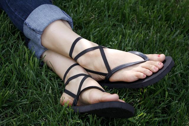 strappy flip flops