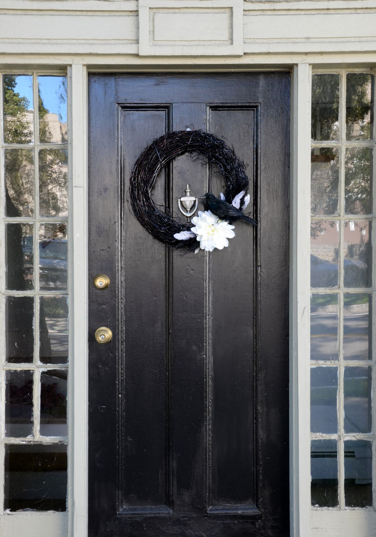 Black Front Door Halloween Wreath