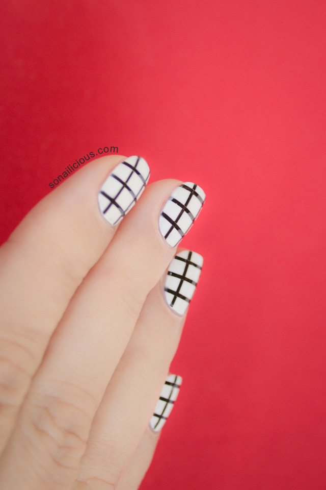 Checkerboard Nail Art