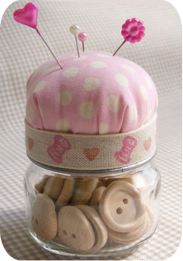 DIY Bay Food Jar Pin Cushion