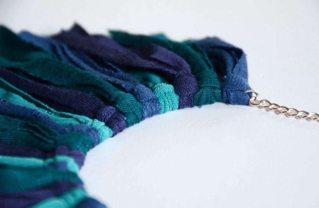 DIY Fringe necklace knotted