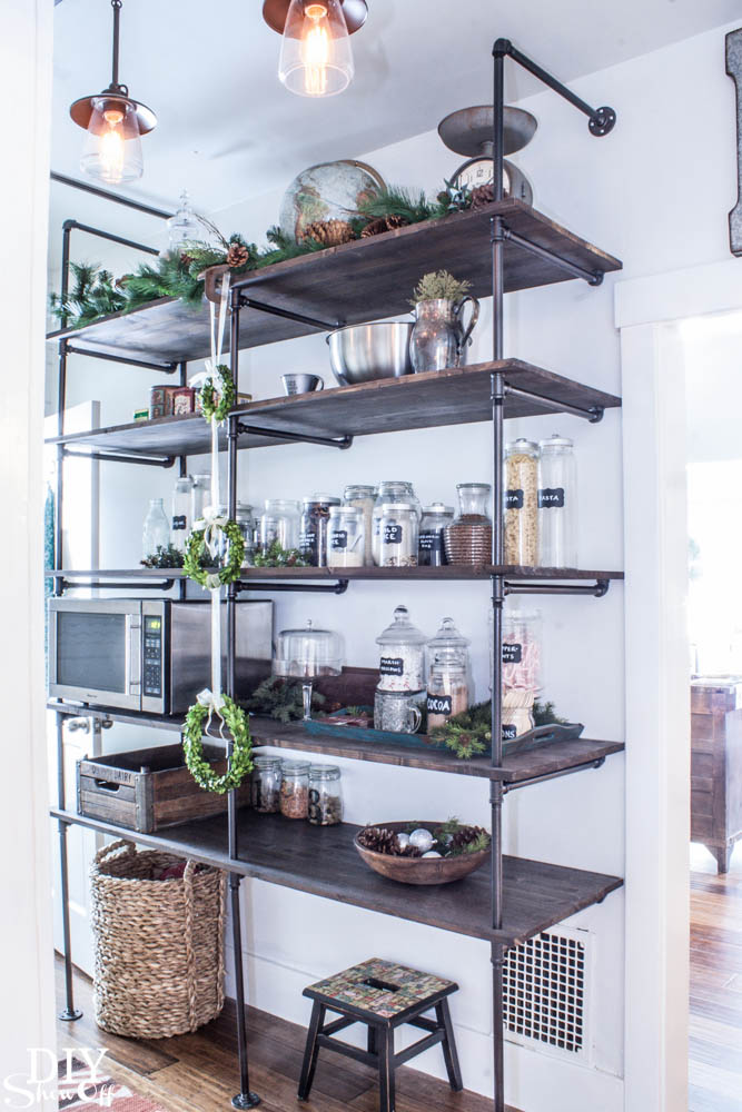 DIY Industrial-Pipe-Shelving