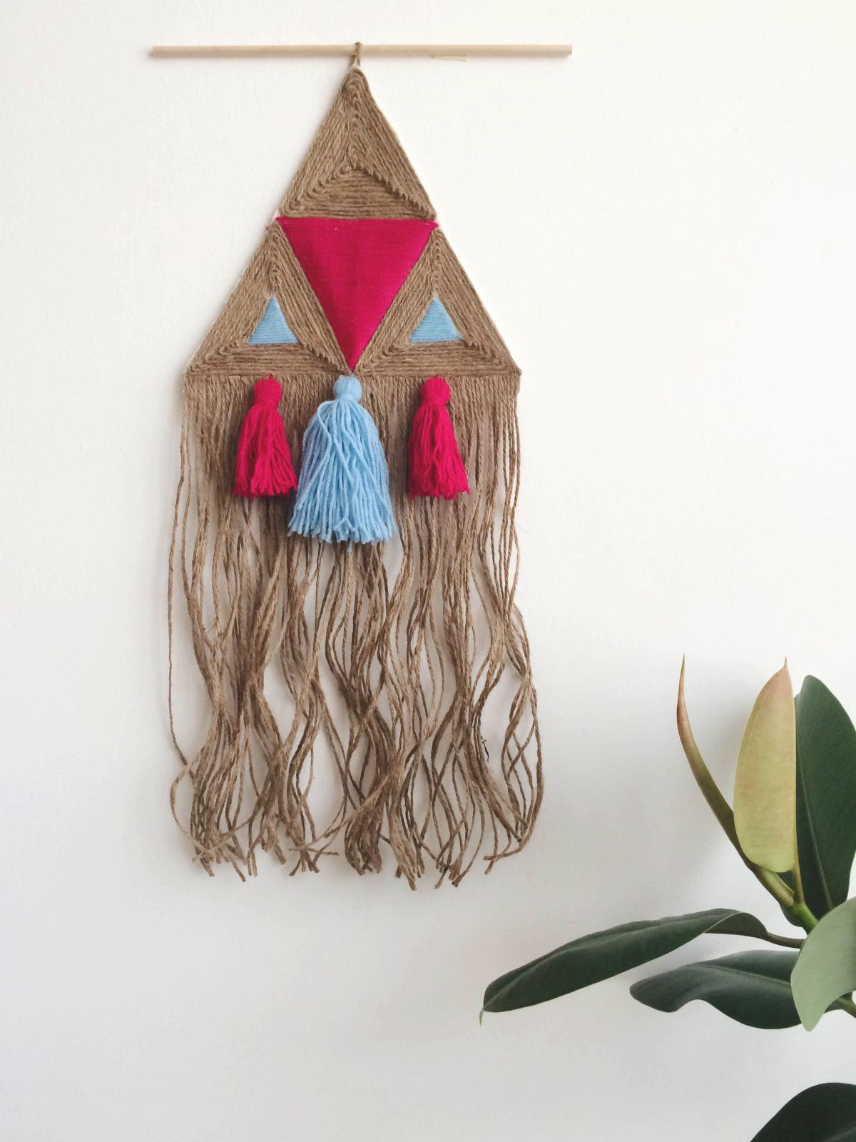 DIY Jute Wall Hanging