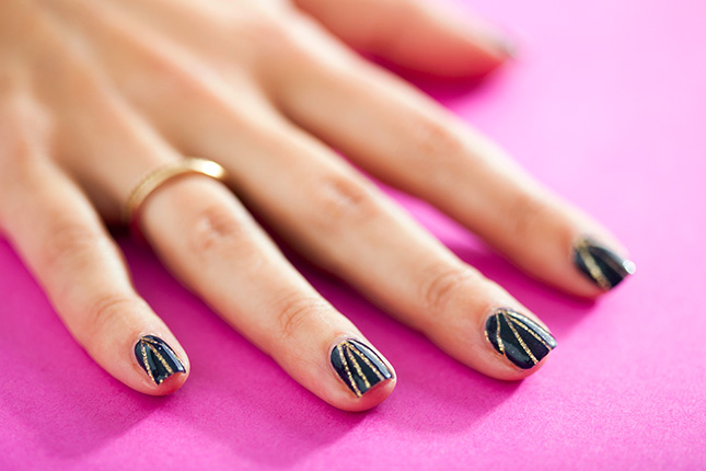 Line Texture On Nails : Simple nail art tutorials for beginners
