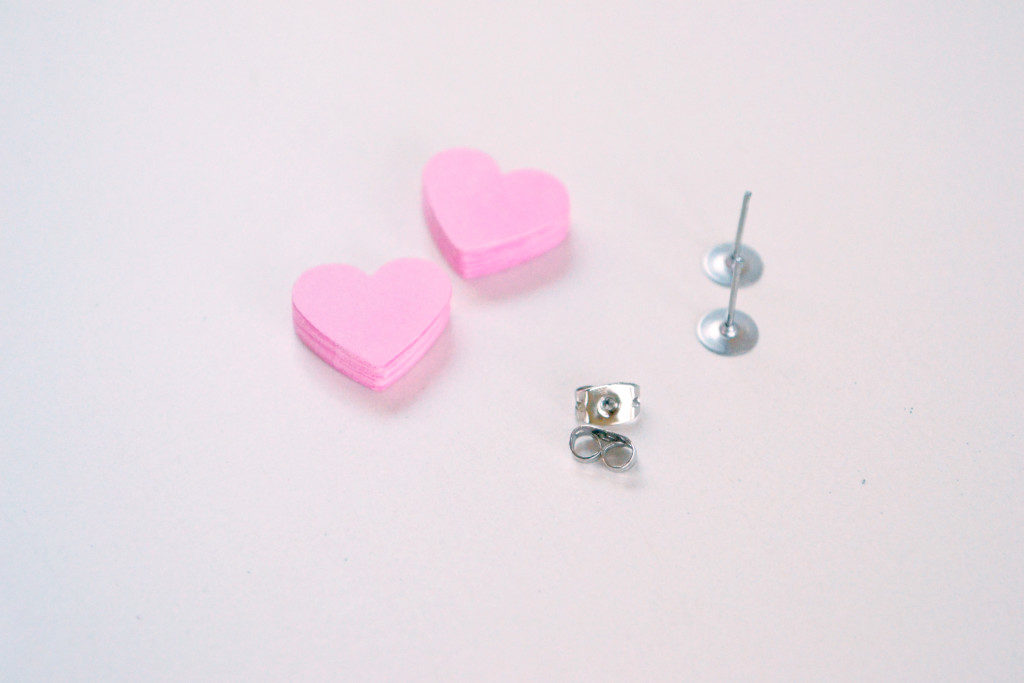 How to Make Simple Earrings From Paper