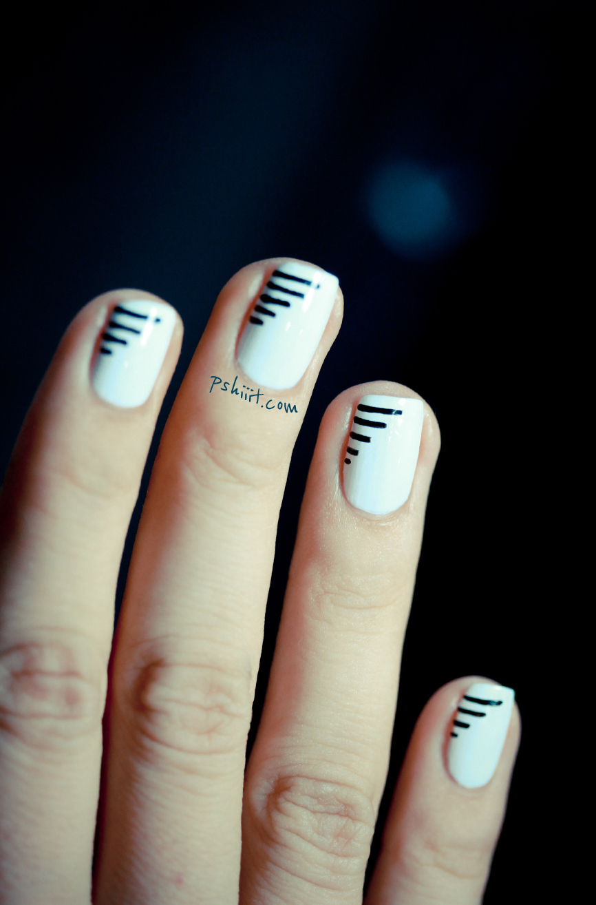 25 simple nail art tutorials for beginners minimal line nail art prinsesfo Image collections