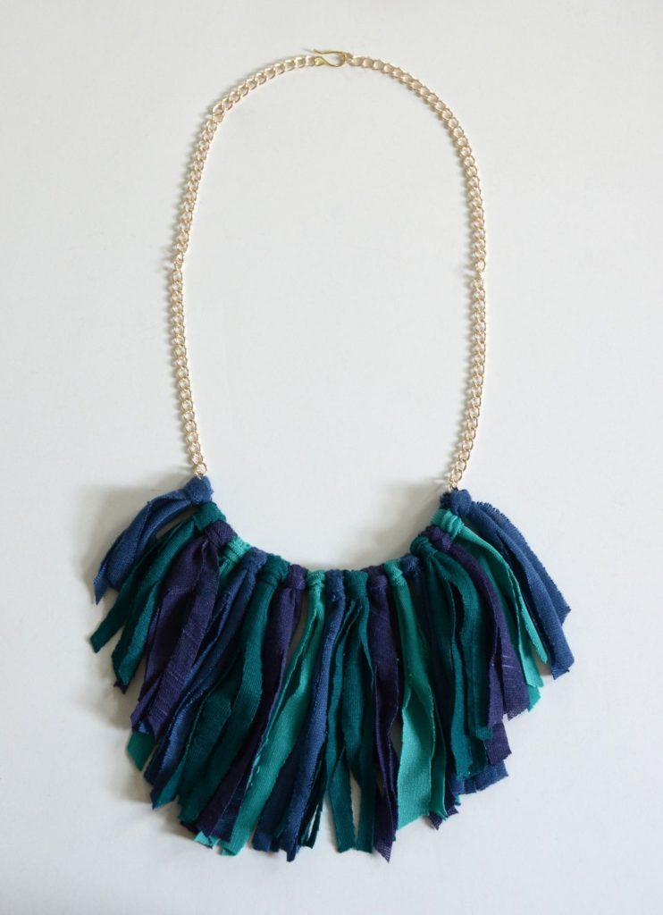 Modern fringe necklace