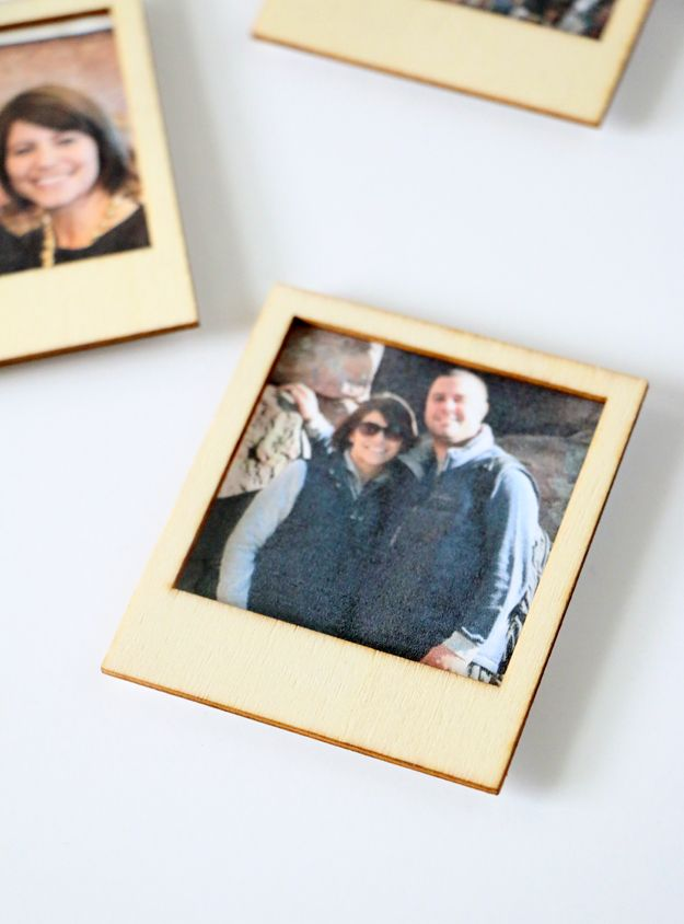 Turn Instagram Pictures Into Poloroid Magnets Placed