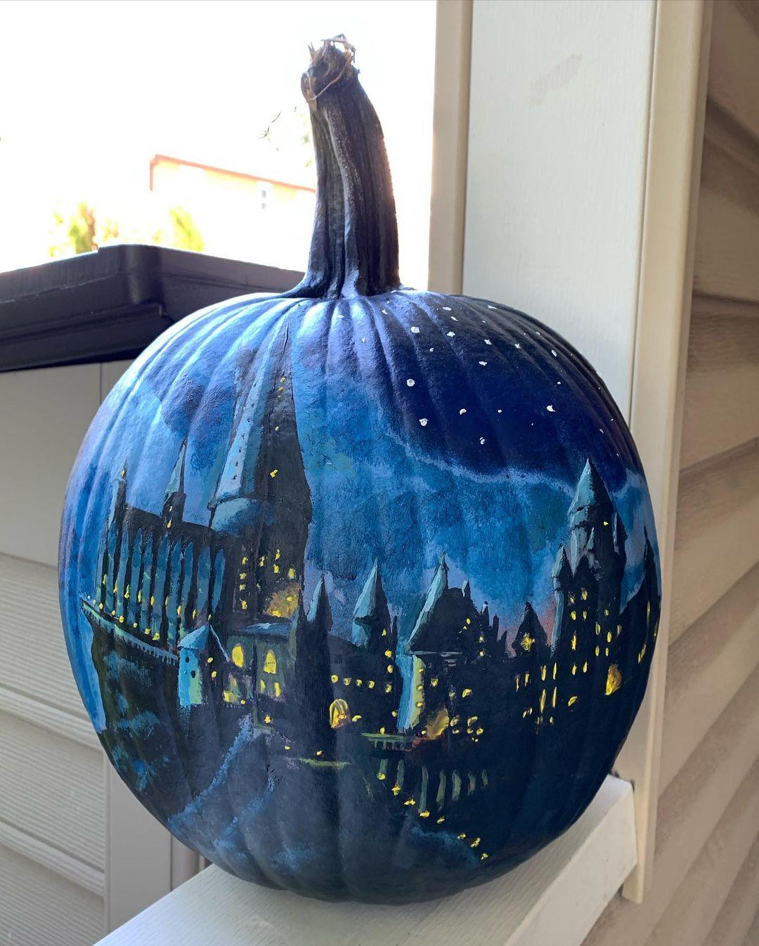 Hogwarts themed halloween pumpkin