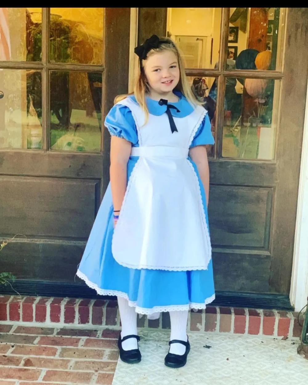 Alice in wonderland halloween costumes for girls