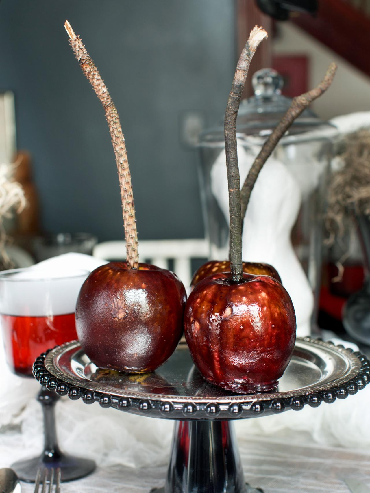 Black Apples Halloween DIY