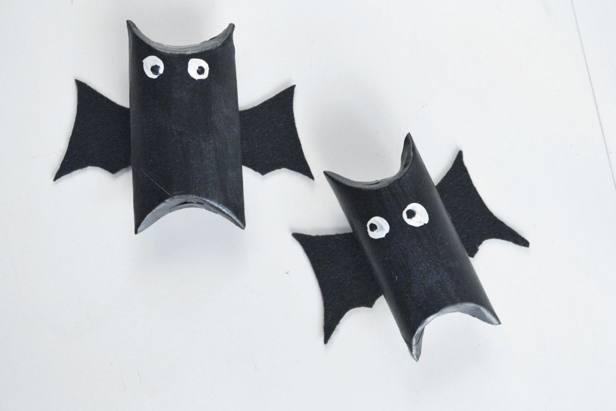 Cool Halloween Bat Candy Pouches