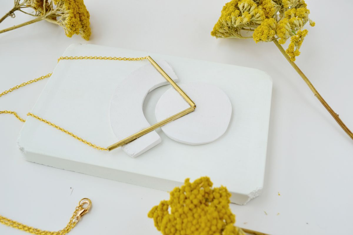 DIY Geometrical Brass Necklace Finished