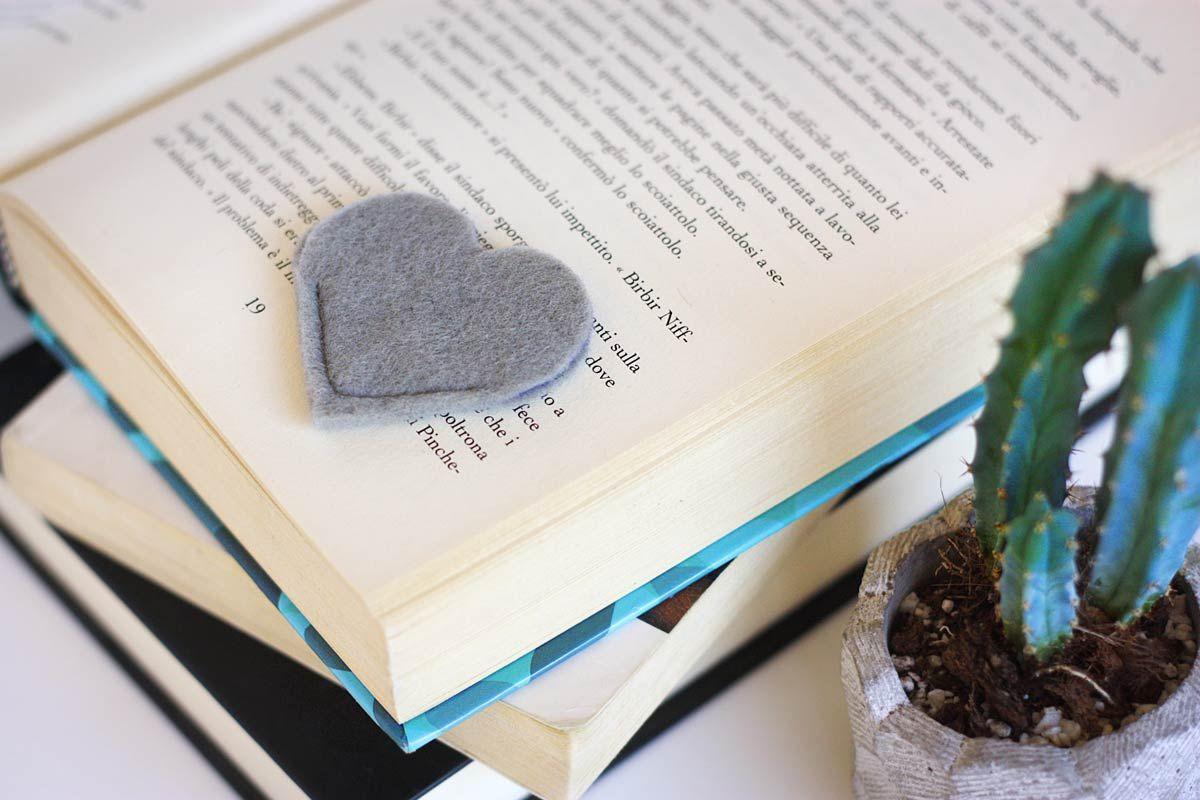 DIY Heart Bookmark Grey
