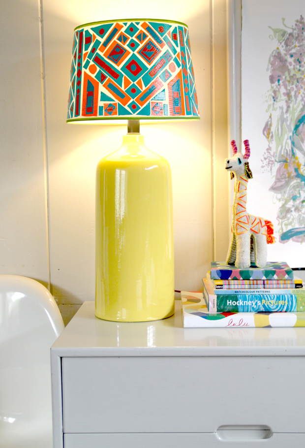 23 ways to diy and redo a lampshade diy duct tape lampshade solutioingenieria Image collections