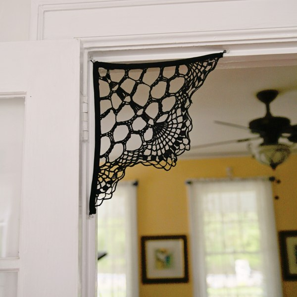 Doorway Spiderweb DIYs