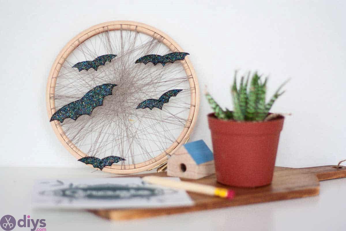 Embroidery hoop cheap halloween decoration ideas
