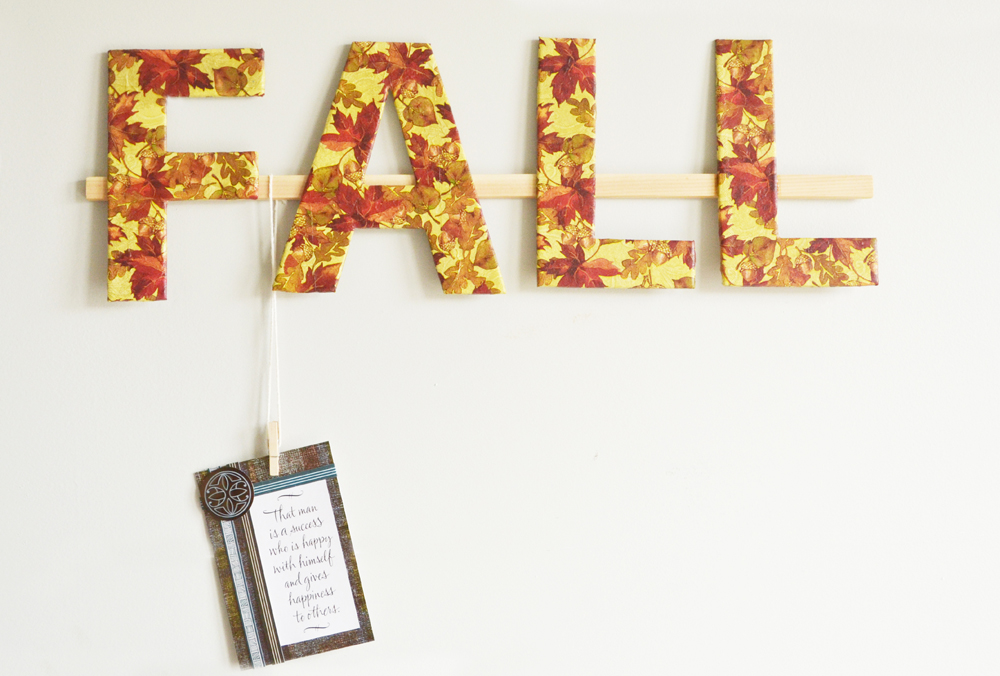 Fall Wall Decor – DIY Hanging Family Photos