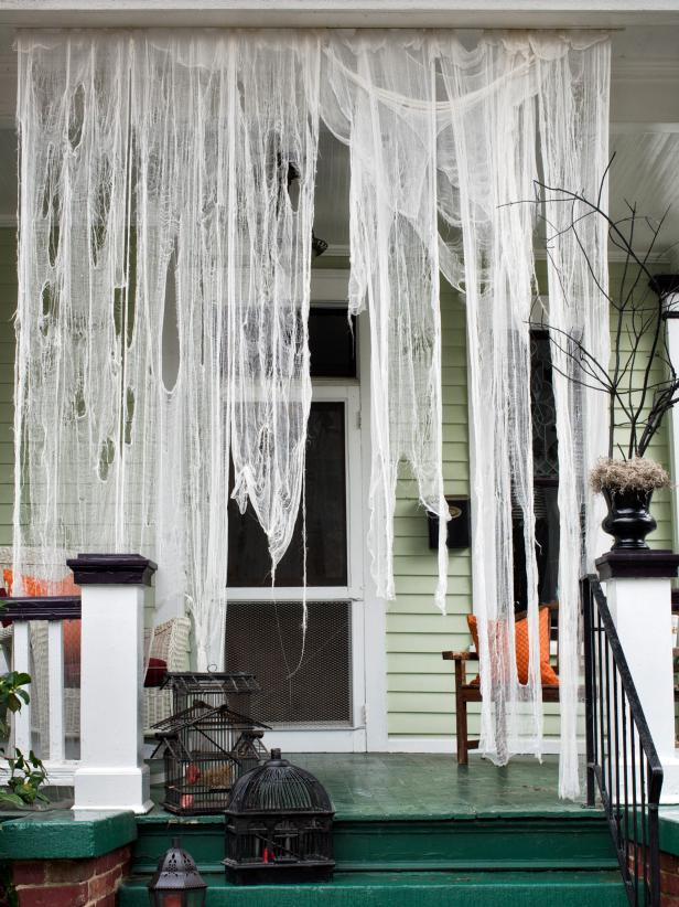Ghost Drapeing DIY Halloween DEcor